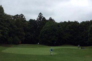 ゴルフコースのアプローチ練習場