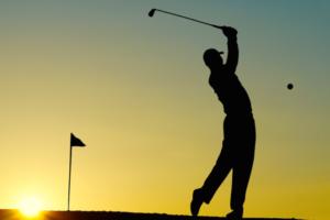 プロゴルファー 大きなフォロースルー
