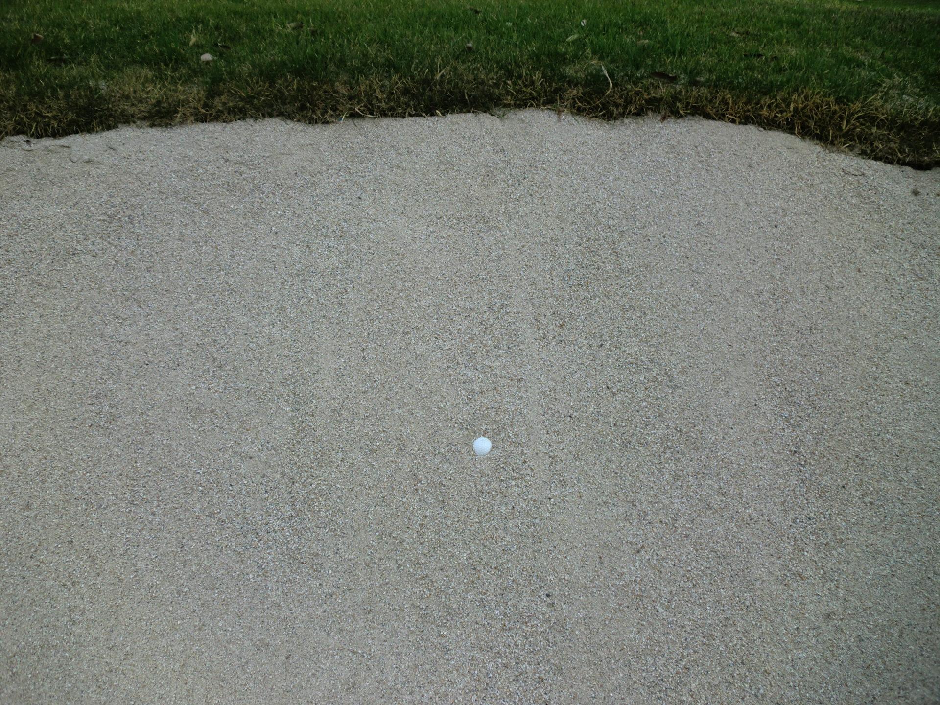 ゴルフ 目玉のバンカーショット