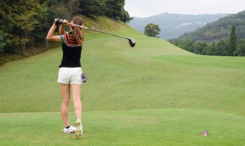 ゴルフ女子 ティーショット
